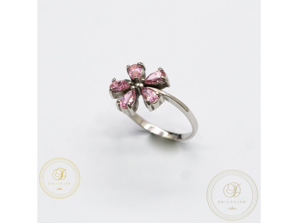 Dámský zlatý prsten zdobený zirkonem ve tvaru květiny (Velikost 56)