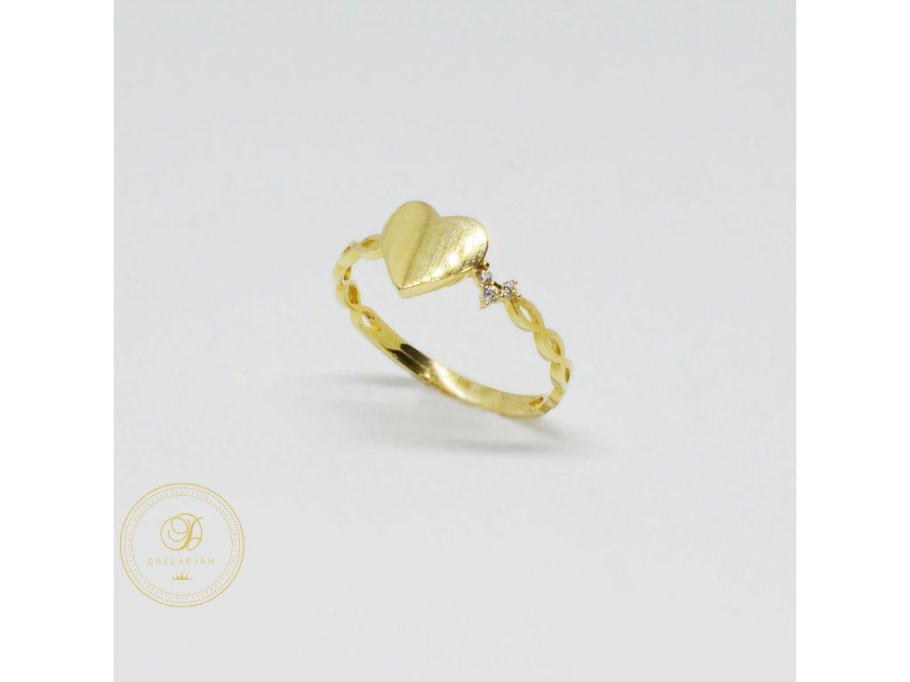 1481 prsten ze zluteho zlata srdicko se zirkony