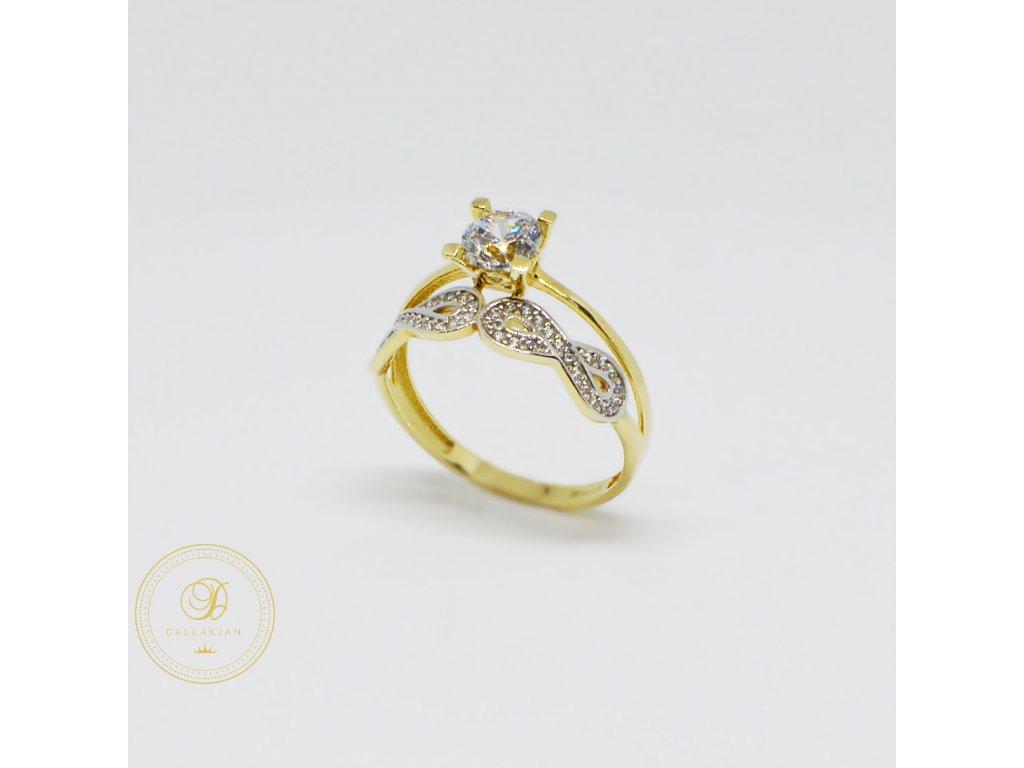 1511 zasnubni prsten ze zluteho zlata se symboly nekonecna a zirkony