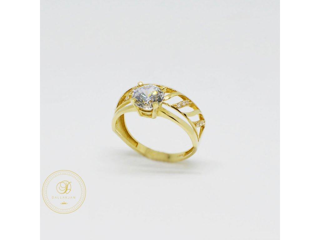 1520 prsten ze zluteho zlata se zirkony zasnubni