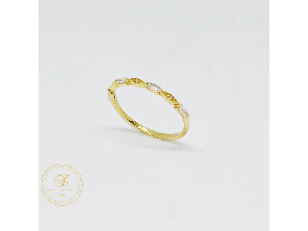 1547 prsten ze zluteho zlata tenky se zirkony