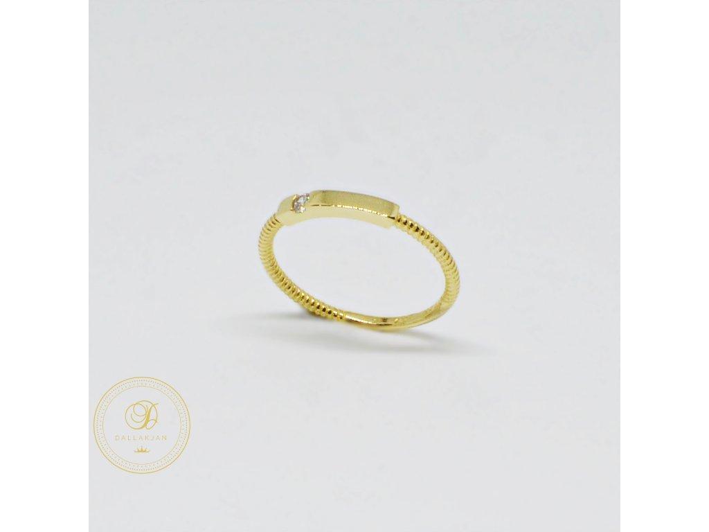 Prsten ze žlutého zlata tenký se zirkonem (Velikost 55)