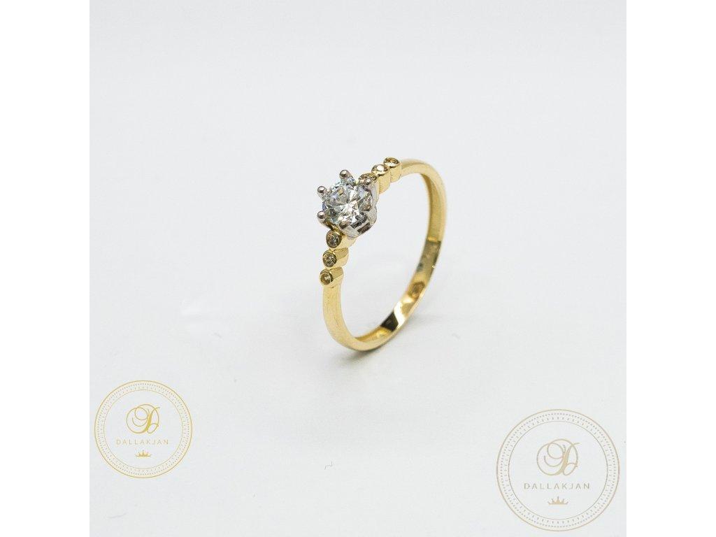 Decentní Zásnubní prsten se zirkonem (Velikost 57)