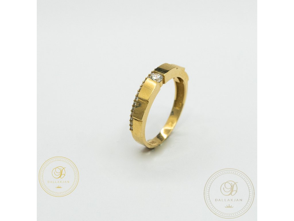 Decentní Dámský prsten ze žlutého zlata zdoben zirkonem (Velikost 55)