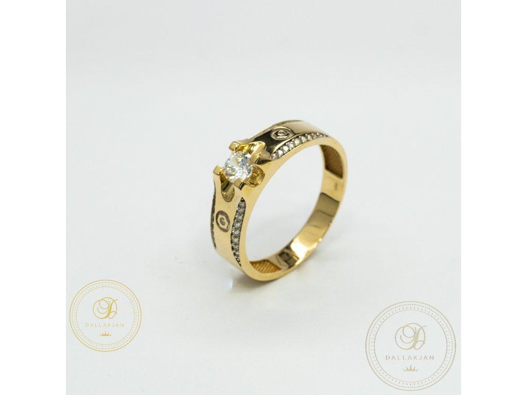Pánský zlatý prsten ze žutého zlata zdobený zirkonem (Velikost 67)