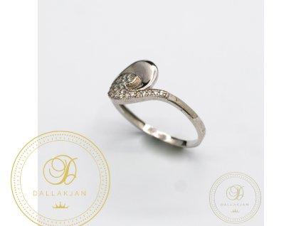 Decentní Dámský prsten zdobený zirkonem (Velikost 59)