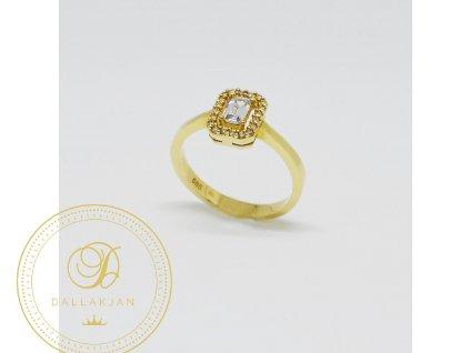 1469 snubni prsten ze zluteho zlata se zirkony