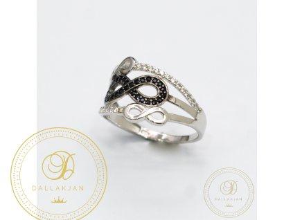 Dámský zlatý prsten zdobený s černým zirkonem (Velikost 57)