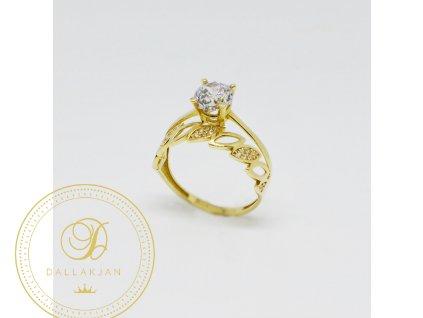 1514 zasnubni prsten ze zluteho zlata se zirkony