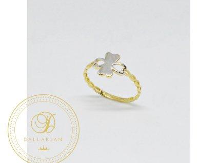 Prsten z kombinovaného zlata čtyřlístek se srdíčkem (Velikost 56, Váha v g 1,15)