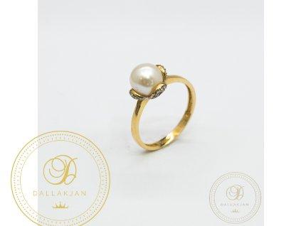 Krásný dámský prsten zdoben perlou (Velikost 57)