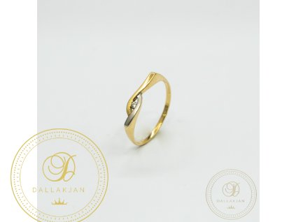 Jemný dámský prsten ze žlutého zlata kombinovaný s bílým zlatem (Velikost 55)