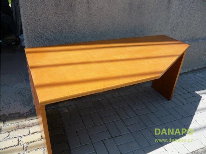 32515 kancelarsky nabytek dreveny masivni stul oranzovy