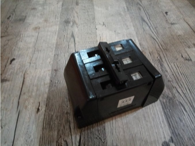 3F Starý SEZ bakelitový jistič trojpólový ITM 10A 17A 25A 500V