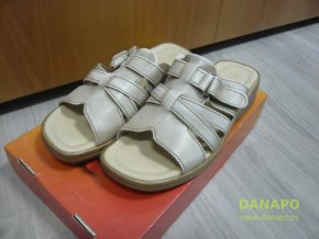 29779 damske kozene pantofle nazouvaky escott