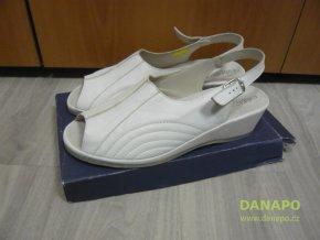 Dámské pantofle sandále boty Celizia bílé 42