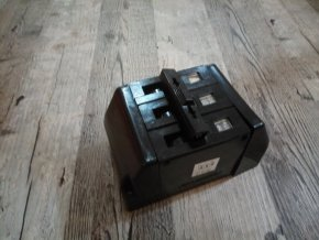 3F Starý SEZ bakelitový jistič trojpólový ITM 16A a 10A 500V