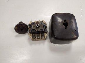 Bakelitové STOP tlačítko stiskací odpojovač v krabici MEZ 16A 380V