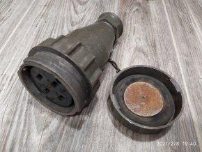Stará plochá technická zásuvka 3P+PEN 4 kolík 500V/25A vojenská