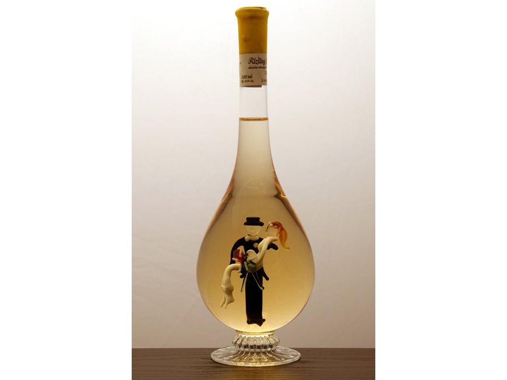 Ozdobná fľaša kvapka v nej figúra - mladomanželia
