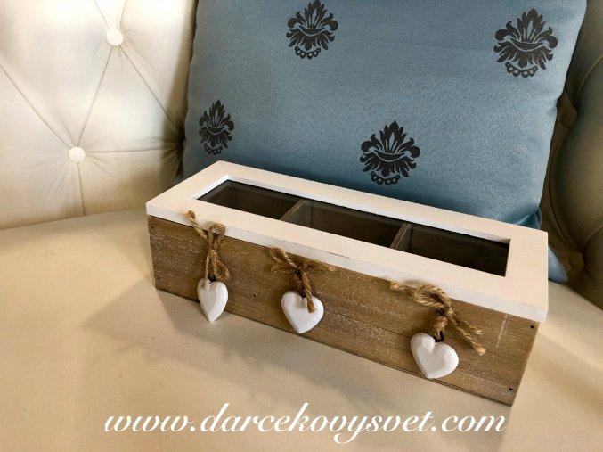 Drevená krabička na čaj Biele srdiečka 26,5x10cm, 14,00€, 15462TRE