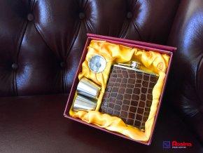 Darčekové balenie pre pánov BrownLuxury 17x17 cm, 25,00€, ploskačka+2xkalíšek