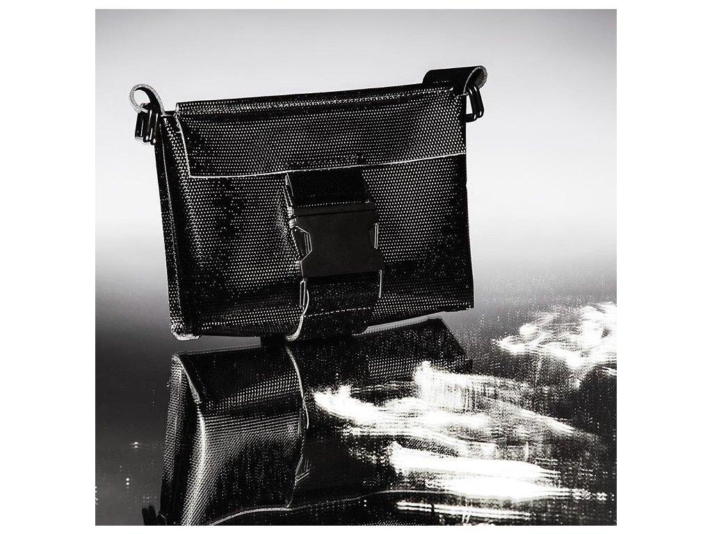 tny.3 kabelka / ledvinka Waistbag Small - kožená černá perforovaná