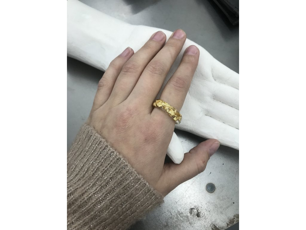 Things by E. prsten Treasures - tenký kroužek se zlatem