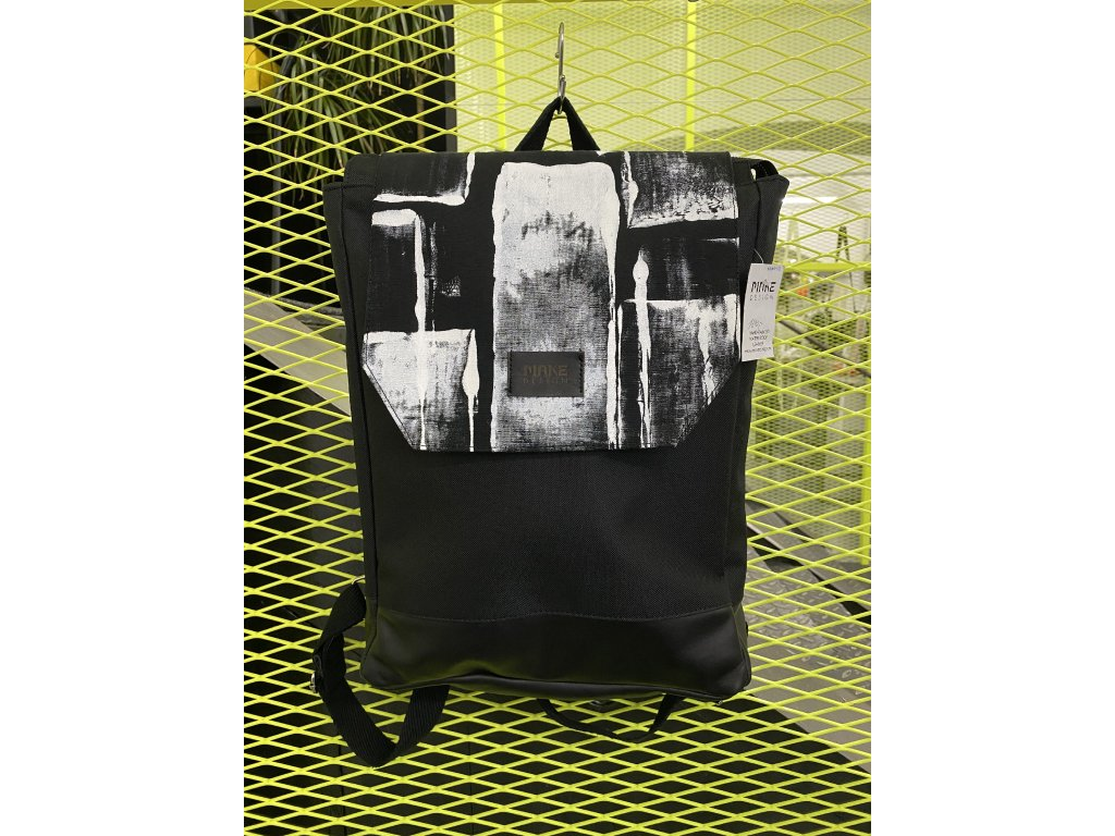 MAKE Design Batoh černý s černobílou vrchní částí