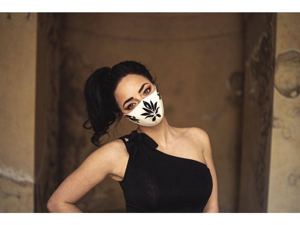 KirstenVaams latexová rouška / maska Lotus - černobílá