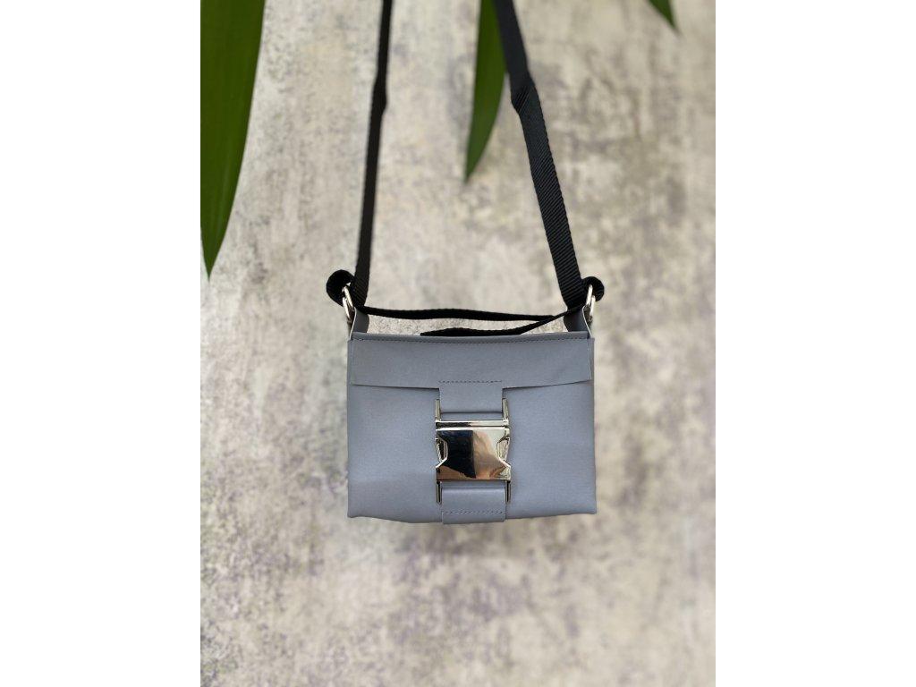 tny.3 kabelka / ledvinka Waistbag Small - reflexní šedá se stříbrnou sponou