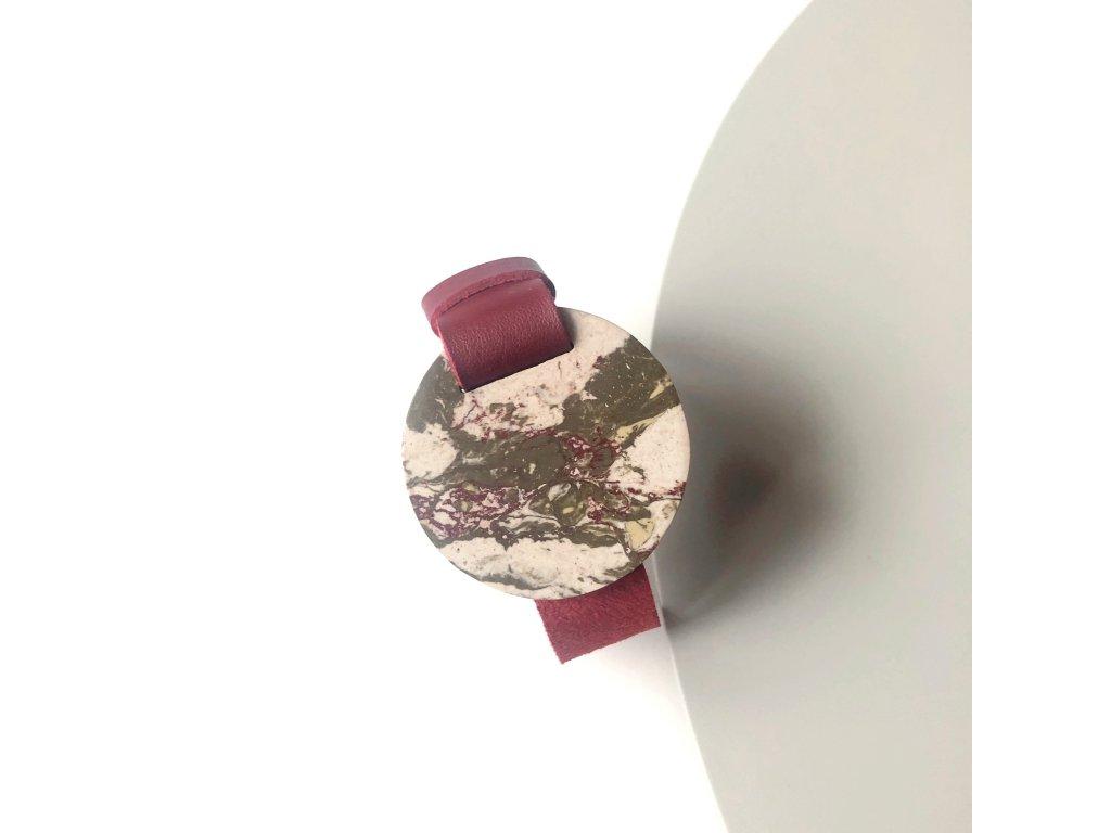 UMMA široký kožený náramek / červený s hnědobéžovým mramorem