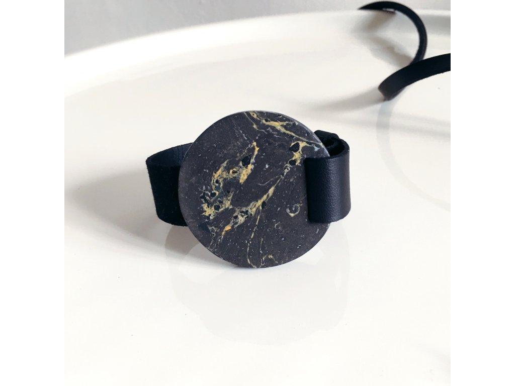 UMMA široký kožený náramek / černý s antracitovým mramorem