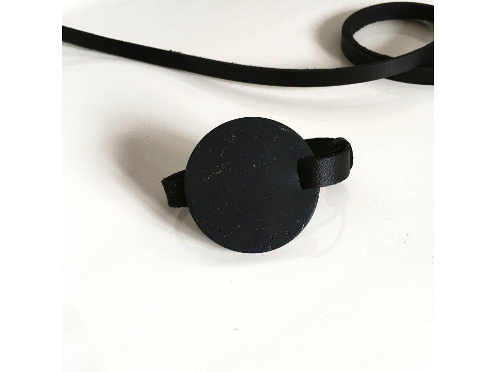 UMMA tenký kožený náramek / černý s černým mramorem