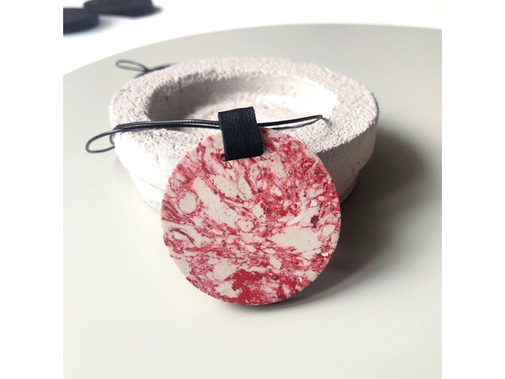 UMMA náhrdelník s červenobílým mramorem a černou kůží