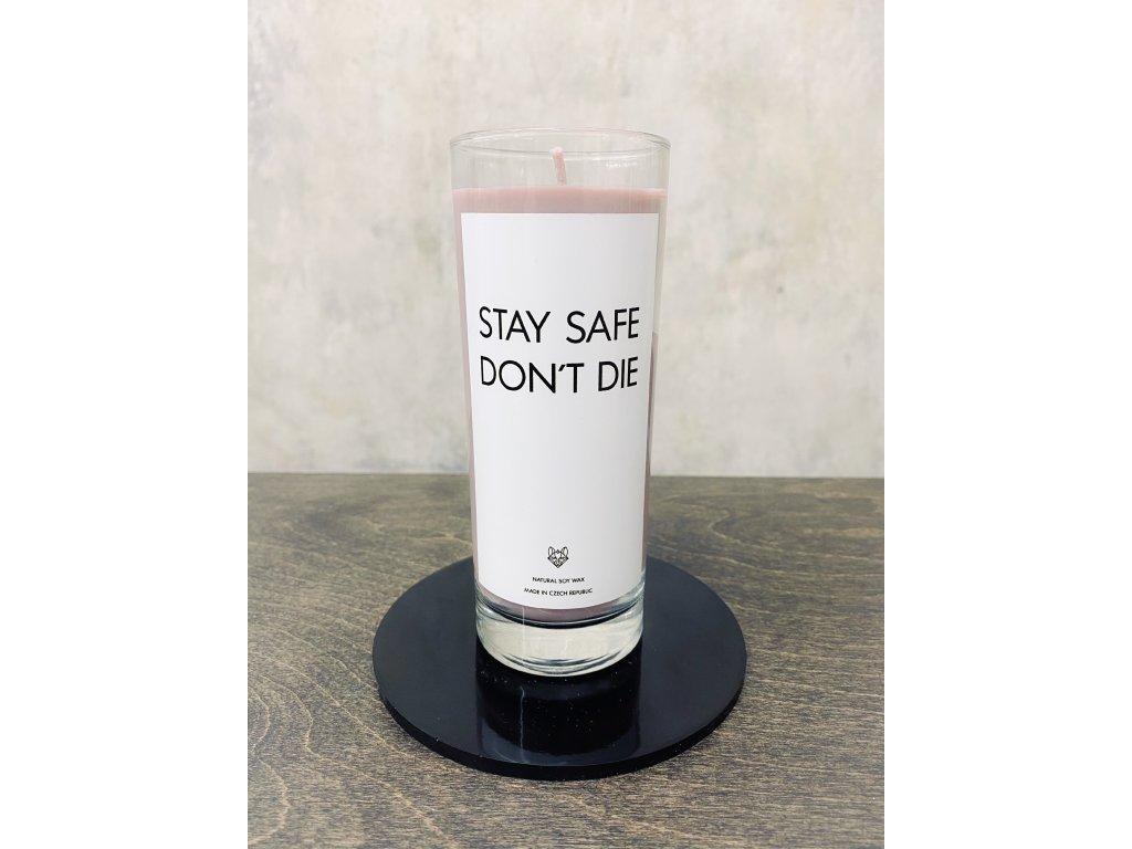 Things by E. - IRONIC CANDLES - sójová svíčka - STAY SAFE / lesní ovoce
