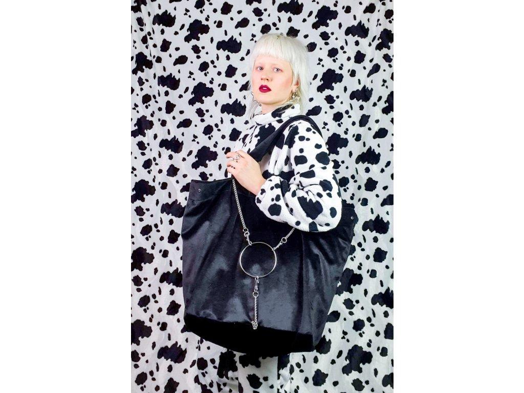 black giga purse