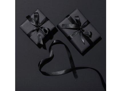 black presents xlarge