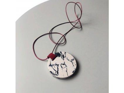 UMMA náhrdelník s šedobílým mramorem a červenou kůží