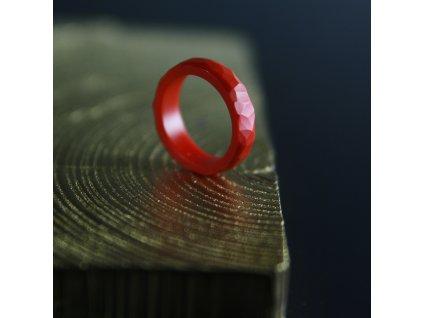 Luba Bakičová - broušený prsten ze skla / RED kroužek geom
