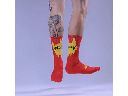 ČUMÍŠ NA MĚ unisex ponožky červené / NEČUM !