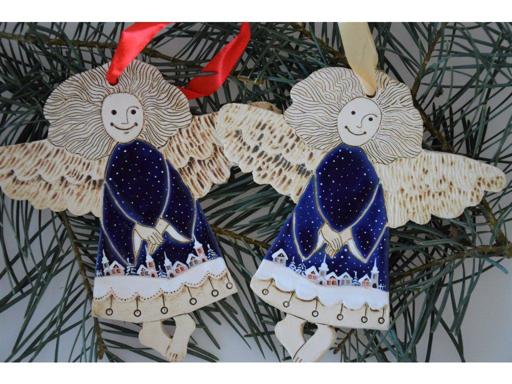 Keramický anděl vánoční - modrý malovaný