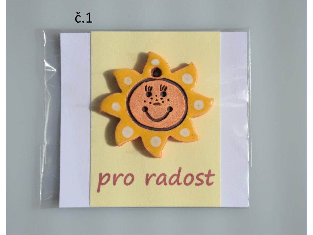 žluté sluníčko s bílými puntíky