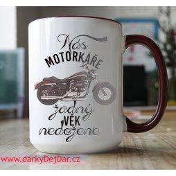 hrnek s motorkou
