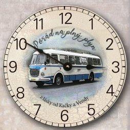 hodiny s motivem autobusu