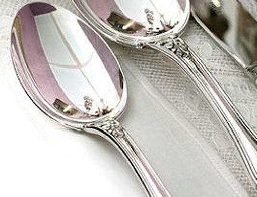 Stříbrná lžička - symbol bohatství, krásy a zdraví