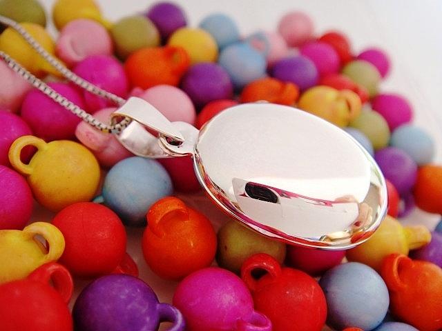 Stříbrný otevírací medailonek Medailonek: bez rytiny