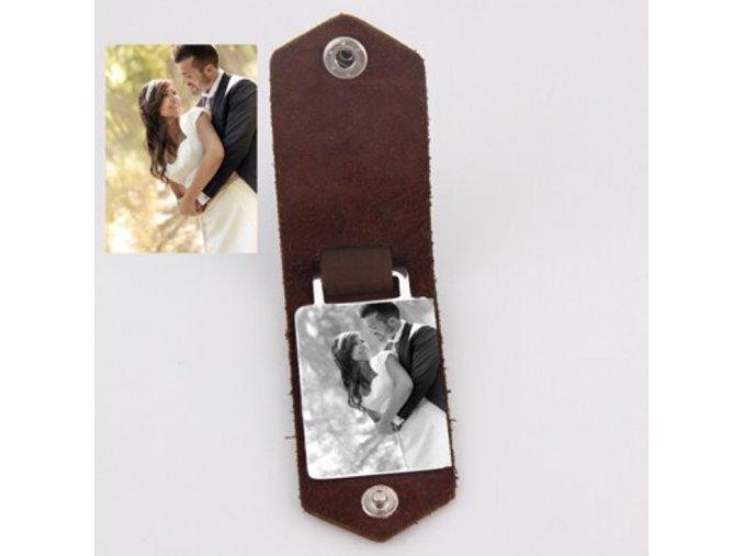 Kožený přívěsek na klíče s vlastní fotkou