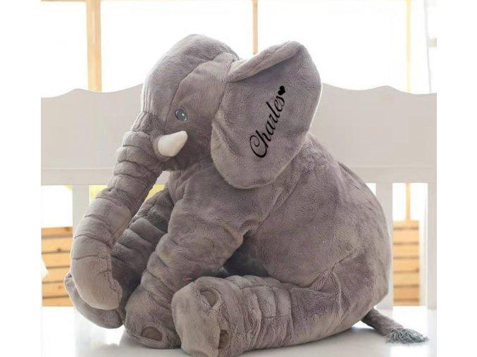 Plyšový slon s vlastním jménem