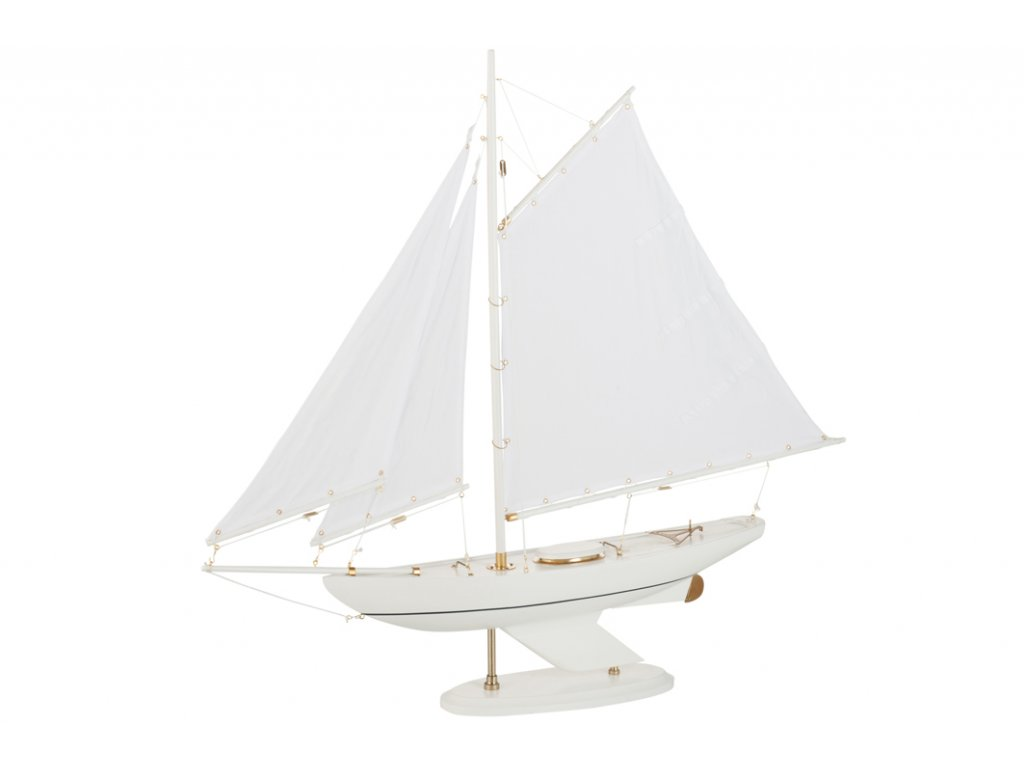 loď bílá
